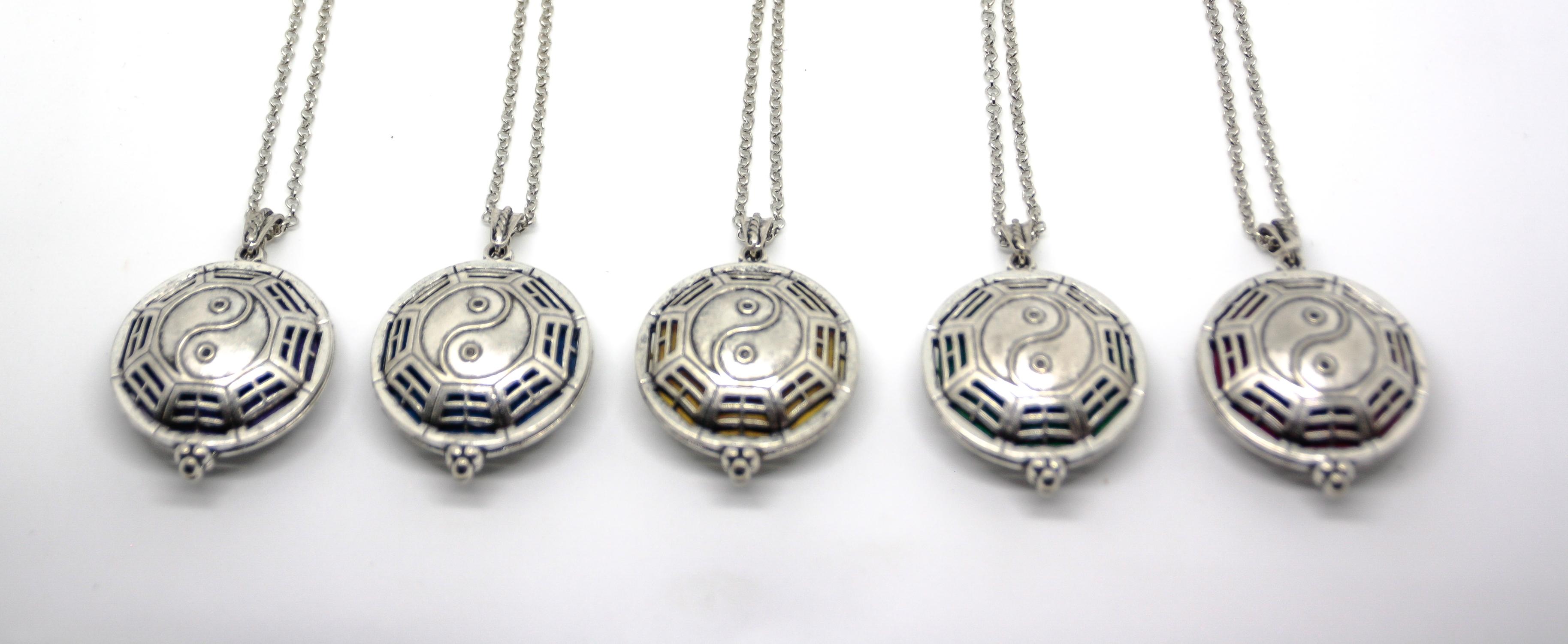 """Kette mit Duft - Anhänger """"Yin und Yang"""" in Silber Optik"""