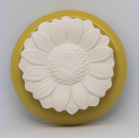 Duftstein Sonnenblume mit gelb glasiertem Untersetzer